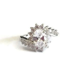 Clear CZ Rhinestone Flower Ring in Silver Size 6